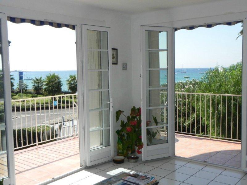 immobilier sanary sur mer achat et location appartement et villa sanary sur mer et ses. Black Bedroom Furniture Sets. Home Design Ideas